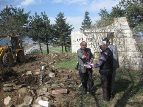 Şair Dertli'nin Anıt Mezarı yenileniyor